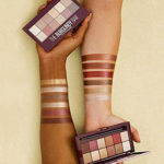 MAYBELLINE-The-Burgundy-Bar-fards-a-paupieres-swatch