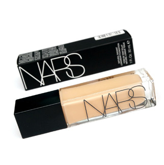 NARS Natural Radiant Longwear Fond de teint style